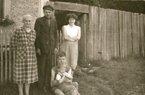 Ještě jedna z téže série: Pejcharův dům Na Obci v 50. letech