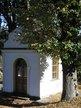 Přidali jsme i dva podzimní pohledy na kapličku...