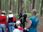 Služátecké lesy si oblíbily i bytosti z novějších dob: toto jsou členové proslulé Adam`s family